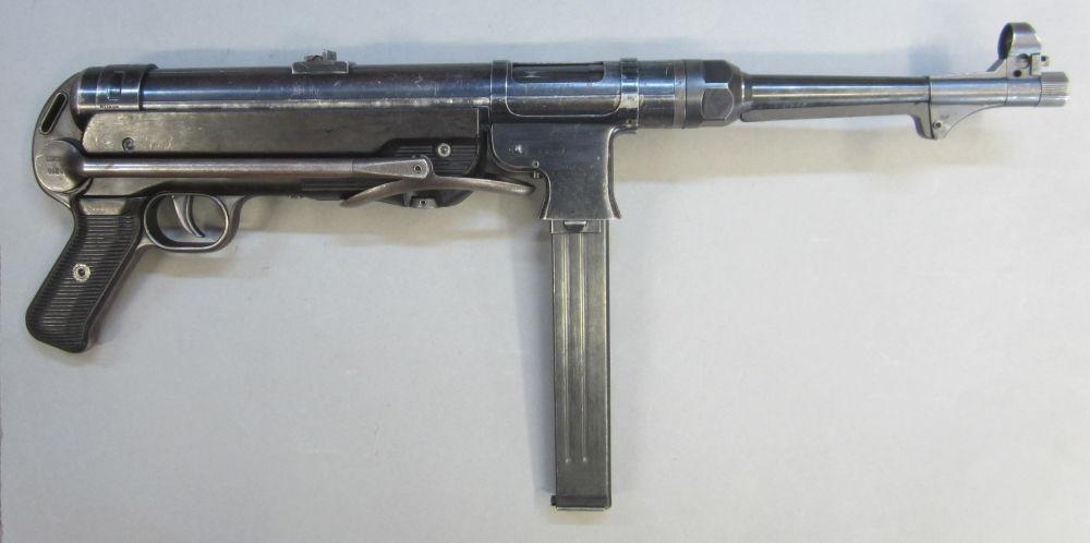 Original  M 40 - MP 40 Code 660 Modell MP 40 halbautomatisch Original Ausführung