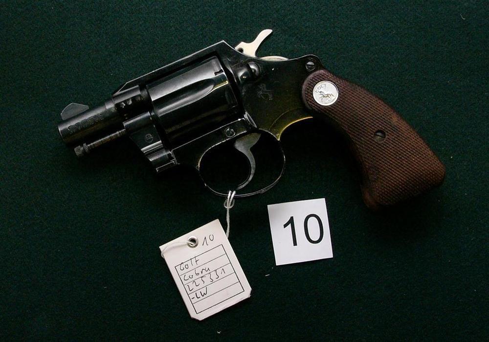 Colt Colt Cobra Revolver  2z