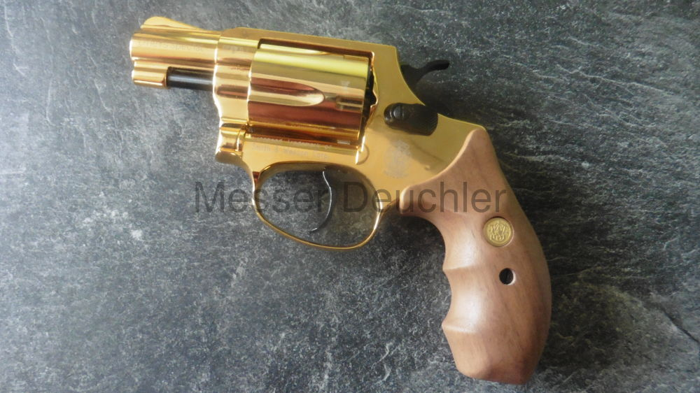 Smith & Wesson Chiefs Special GOLD